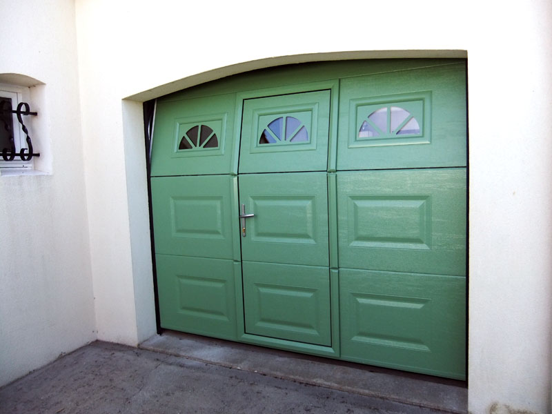 Portes de garage viv 39 alu for Porte de garage 2 battants sur mesure